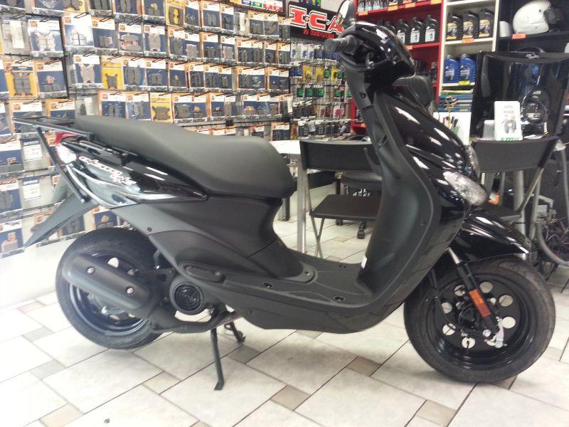 scooter 50cc occasion hyeres auto moto et pi ce auto. Black Bedroom Furniture Sets. Home Design Ideas