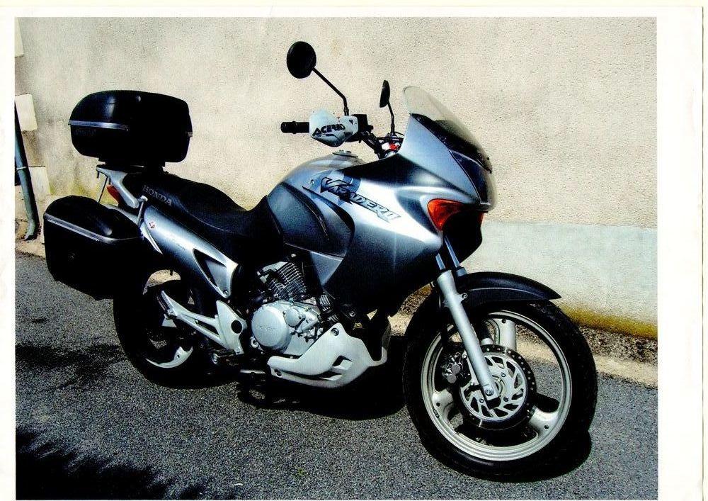 moto 125 occasion routiere auto moto et pi ce auto. Black Bedroom Furniture Sets. Home Design Ideas