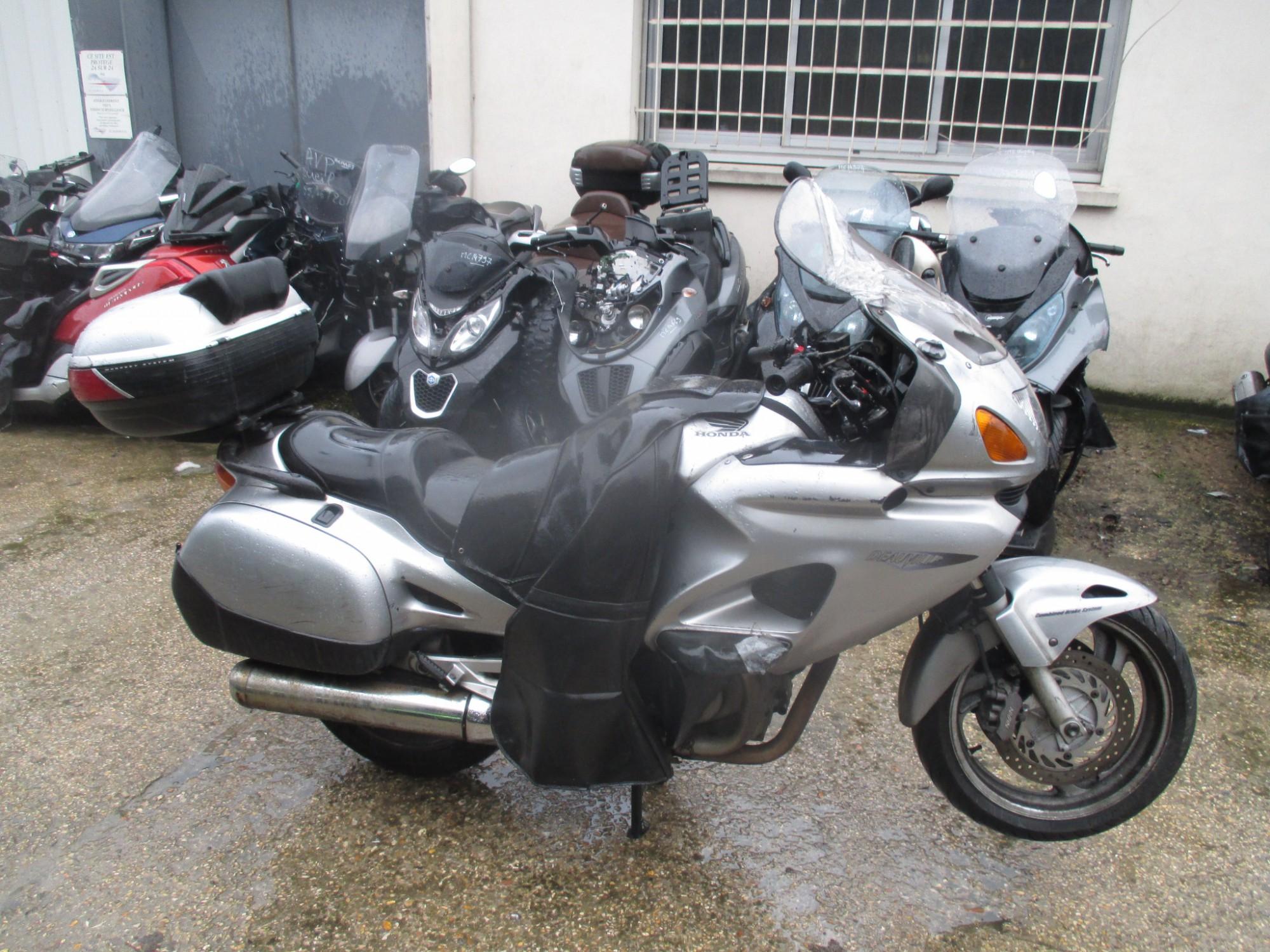 Moto occasion honda deauville